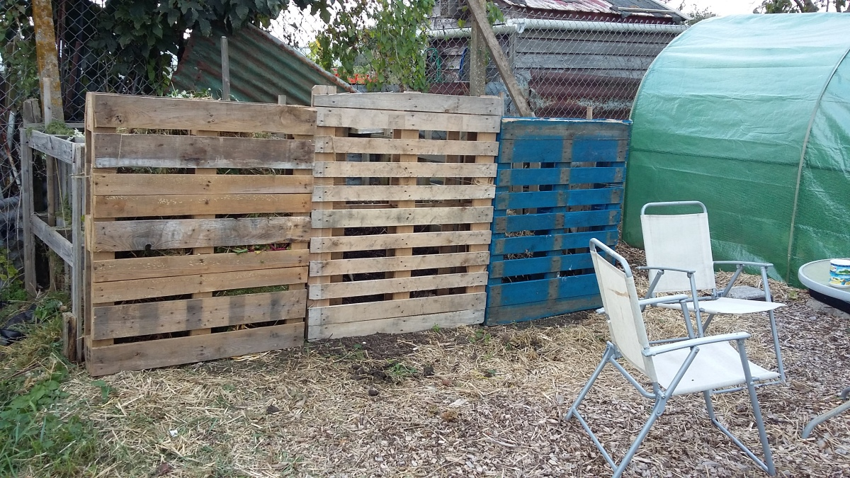 plot-2-compost-bins-20161008